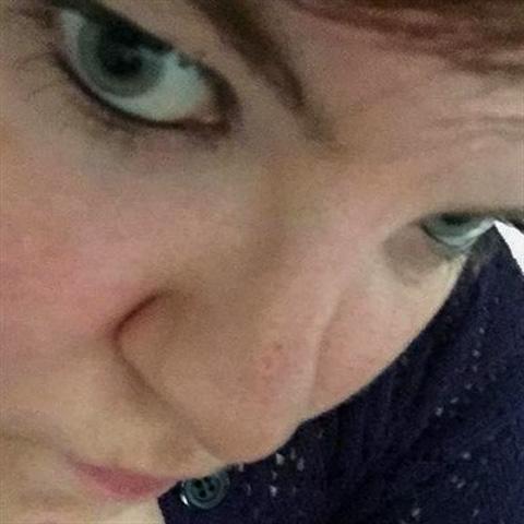 hej...:P  jeg er en kvinde, og kommer fra odense...:) jeg søger venner/kæreste... men ved jo aldrig hvad det kan blive til...: ... izkoldeskatt kommer fra Syddanmark - find en date - se dating profil på VIPdaters.dk