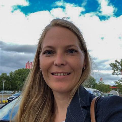 Jeg er en kvinde som bor i en andelslejlighed midt i centrum af Ballerup.   Til dagligt arbejder jeg som financial controller i  ... DPK1987 kommer fra Hovedstaden - find en date - se dating profil på VIPdaters.dk