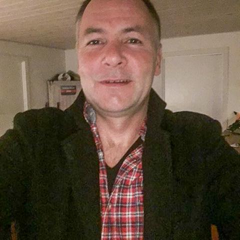 Hej, jeg kommer fra Aarhus C. Jeg har ikke skrevet nogen profiltekst endnu, måske jeg skriver noget mere senere. Du er velkommen t ... Martinbo999 er en single mand fra Midtjylland, Aarhus C. Find en date - se dating profil på VIPdaters.dk