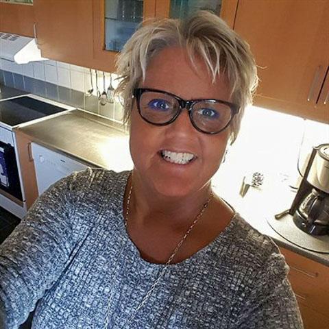Hej hej  En trevlig charmig kvinna finns här,skinn på näsan,verbal,social,sprallig,det kan du väl inte missa? ... Charmfia is a single woman from Västra Götaland, Hisings Kärra. Find love - view dating profile at VIPdaters.com