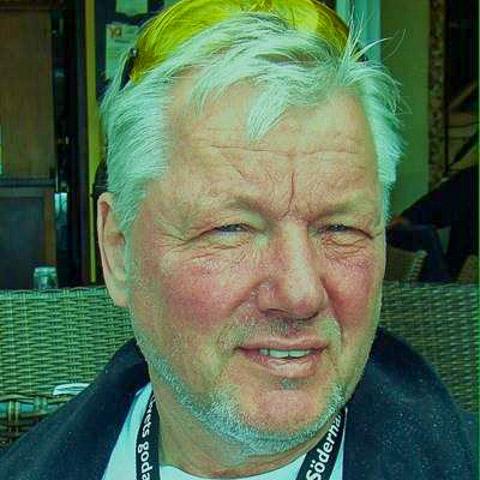 Hej! Jag heter Bertil Rzepka, bor i Sandviken. Jag har tröttnat på utelivet och vill träffa en kvinna att dela livet med. Jag har  ... bertilrzepka is a single man from Gävleborg, Sandviken. Find love - view dating profile at VIPdaters.com