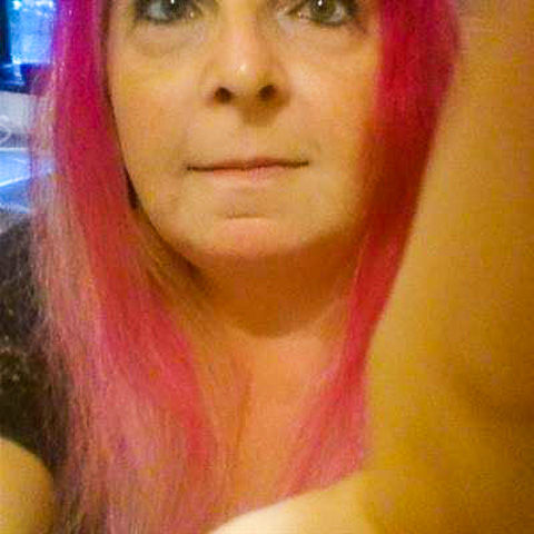 seek the true and real love and a nice, caring, kinde man. i am romantic,laugh,cooking,swim,walks,art,museeum,movies,music, pets, ... cissi47 is a single woman from Jönköping, Mariannelund. Find love - view dating profile at VIPdaters.com